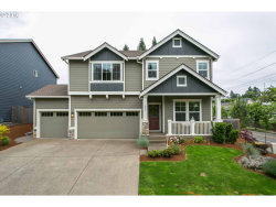 Photo of 4701 CHINOOK CT, West Linn, OR 97068 (MLS # 17072165)