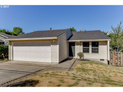 Photo of 7735 SE 105TH AVE, Portland, OR 97266 (MLS # 17091777)