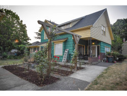 Photo of 1525 SE 52ND AVE, Portland, OR 97215 (MLS # 17096620)