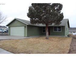 Photo of 718 SW LINCOLN CT, Madras, OR 97741 (MLS # 17099199)