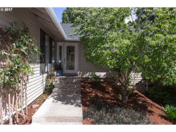 Photo of 8525 SW BRIDLETRAIL AVE, Beaverton, OR 97008 (MLS # 17104239)
