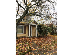 Photo of 4205 SE 134TH AVE, Portland, OR 97236 (MLS # 17116740)