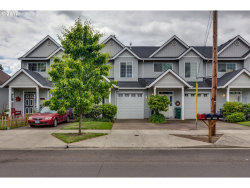 Photo of 1550 SE OAK ST, Hillsboro, OR 97123 (MLS # 17127197)