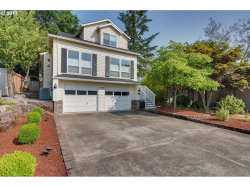 Photo of 16292 SW BRIDLE HILLS DR, Beaverton, OR 97007 (MLS # 17182219)