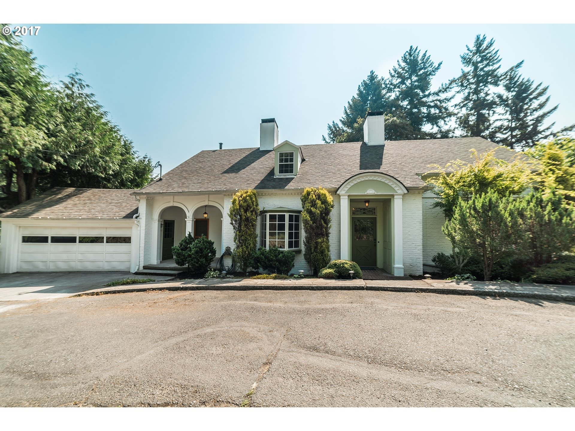 Photo for 1870 SW EDGEWOOD RD, Portland, OR 97201 (MLS # 17302961)