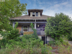 Photo of 1723 SE WOODWARD ST, Portland, OR 97202 (MLS # 17316281)