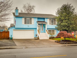 Photo of 920 S ELM ST, Canby, OR 97013 (MLS # 17359172)