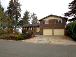 Photo of 1100 TIDEVIEW TR, Coos Bay, OR 97420 (MLS # 17359271)