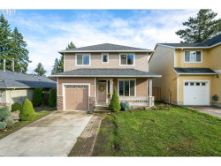 Photo of 6418 SE 137TH AVE, Portland, OR 97236 (MLS # 17361348)