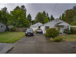 Photo of 250 IPSWICH ST, Gladstone, OR 97027 (MLS # 17361656)