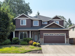Photo of 14906 SMITHFIELD DR, Oregon City, OR 97045 (MLS # 17372348)
