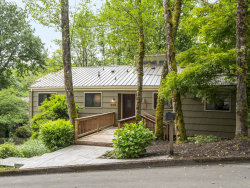 Photo of 800 WOODWAY CT, Lake Oswego, OR 97034 (MLS # 17391905)
