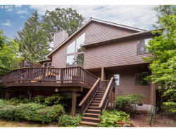 Photo of 3220 DUNCAN DR, Lake Oswego, OR 97035 (MLS # 17411612)