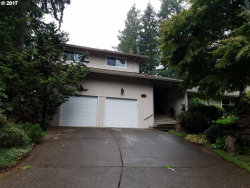 Photo of 16 BERNINI CT, Lake Oswego, OR 97035 (MLS # 17445523)