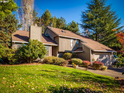 Photo of 559 SUNNY HILL DR, Lake Oswego, OR 97034 (MLS # 17460018)