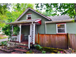 Photo of 3121 SW SPRING GARDEN ST, Portland, OR 97219 (MLS # 17476174)