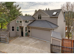 Photo of 1710 SW TERRACE DR, Portland, OR 97201 (MLS # 17566484)