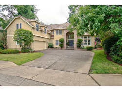 Photo of 5975 NEWCASTLE DR, Lake Oswego, OR 97035 (MLS # 17586516)