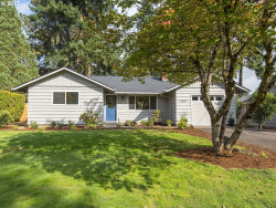 Photo of 5907 KENNY ST, Lake Oswego, OR 97035 (MLS # 17643729)