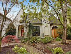 Photo of 2017 SE 24TH AVE, Portland, OR 97214 (MLS # 17648395)