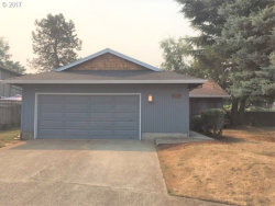 Photo of 975 NE 8TH PL, Canby, OR 97013 (MLS # 17649493)