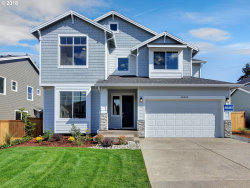Photo of 12044 SW Redberry CT, Tigard, OR 97223 (MLS # 18054135)
