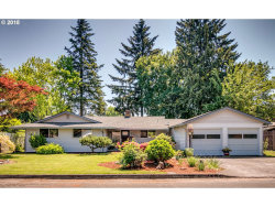 Photo of 8430 SE CARNATION ST, Milwaukie, OR 97267 (MLS # 18066215)