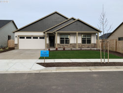 Photo of 1310 Sunflower, Woodburn, OR 97071 (MLS # 18068611)