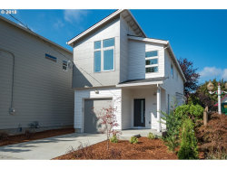Photo of 9707 N Oregonian AVE, Portland, OR 97035 (MLS # 18083359)