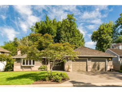 Photo of 5685 CHARLES CIR, Lake Oswego, OR 97035 (MLS # 18111247)