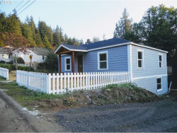 Photo of 795 SE 3RD AVE, Coquille, OR 97423 (MLS # 18112282)
