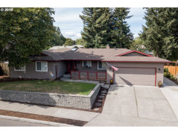 Photo of 11505 SW SPRINGWOOD DR, Tigard, OR 97223 (MLS # 18114185)