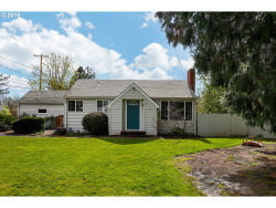 Photo of 15723 SE FRANCIS AVE, Milwaukie, OR 97267 (MLS # 18155779)