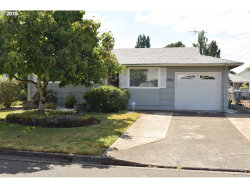 Photo of 1932 COUNTRY CLUB RD, Woodburn, OR 97071 (MLS # 18193863)