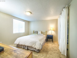 Tiny photo for 6605 SE 69TH AVE, Portland, OR 97206 (MLS # 18200804)