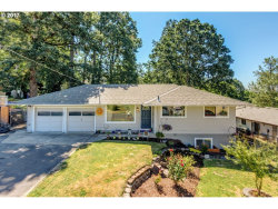 Photo of 4598 SE WHIPPLE AVE, Milwaukie, OR 97267 (MLS # 18249344)