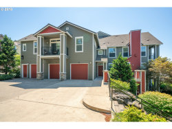 Photo of 2109 SNOWBERRY RIDGE CT, West Linn, OR 97068 (MLS # 18260150)