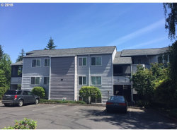 Photo of 47 EAGLE CREST DR , Unit 21, Lake Oswego, OR 97035 (MLS # 18297929)
