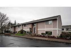 Photo of 10895 SW MEADOWBROOK DR , Unit 41, Tigard, OR 97224 (MLS # 18323998)
