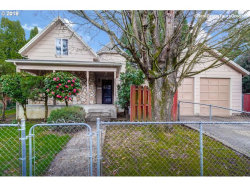 Photo of 240 SE 53RD AVE, Portland, OR 97215 (MLS # 18379658)