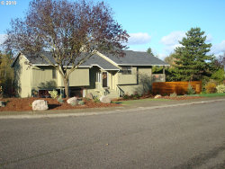 Photo of 2188 CLUB HOUSE DR, West Linn, OR 97068 (MLS # 18392116)