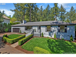 Photo of 605 COUNTRY CLUB RD, Lake Oswego, OR 97034 (MLS # 18397234)