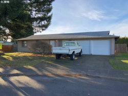 Photo of 15501 SE LINCOLN ST, Portland, OR 97233 (MLS # 18406819)