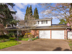 Photo of 527 STERLING CT, Eugene, OR 97404 (MLS # 18421382)