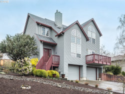 Photo of 1215 HILLSDALE DR, Newberg, OR 97132 (MLS # 18440165)