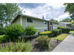 Photo of 10820 SW MEADOWBROOK DR , Unit 60, Tigard, OR 97224 (MLS # 18494115)