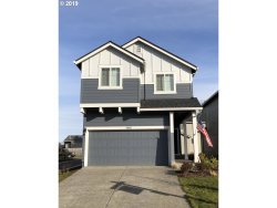 Photo of 33323 SW HAVLIK DR, Scappoose, OR 97056 (MLS # 18501334)