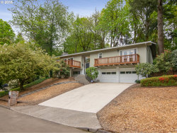 Photo of 2660 LOOKOUT CT, Lake Oswego, OR 97034 (MLS # 18558804)