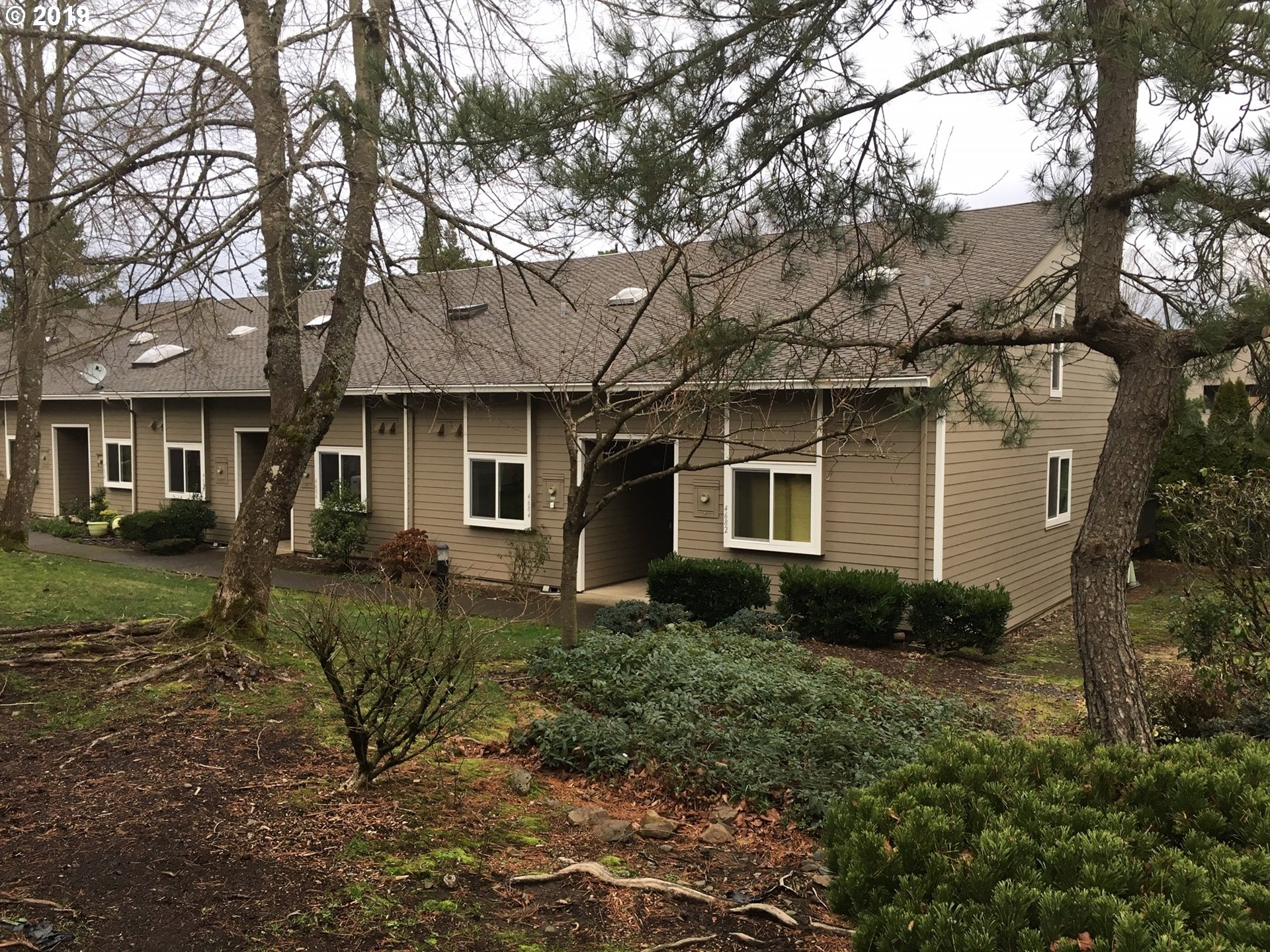 Photo for 4684 SW COMUS PL, Portland, OR 97219 (MLS # 18571894)