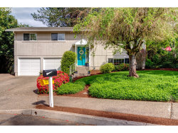 Photo of 1675 APRIL CT, West Linn, OR 97068 (MLS # 18588236)
